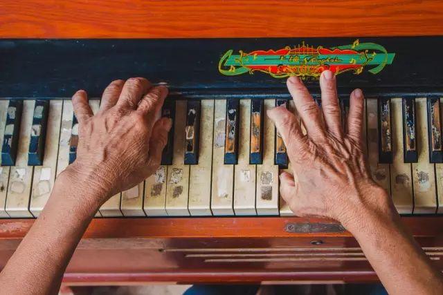 守护家钢琴曲谱